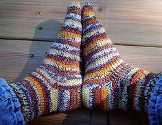 Crochet socks. Free pattern.