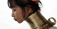 Según el diario digital el correro.com Siete tradiciones que matan a las mujeres. En pleno siglo XXI se practican actos salvajes propios de tribus primitivas incivilizadas para someter a niñas y adolescentes a costumbres sin sentido.