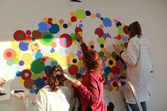 Le studentesse al lavoro per la realizzazione del murales. Liceo artistico Stagio Stagi. Pietrasanta