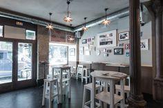 Pez Tortilla en Malasaña. Somos un bar de tapas basado en dos estrellas de la gastronomía española: tortillas y cr...