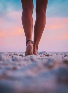 Find images and videos about summer, beach and sunset on We Heart It - the app to get lost in what you love. Summer Pictures, Beach Pictures, Beach Photography, Creative Photography, Shooting Photo, Foto Pose, Belle Photo, Summertime, Photoshoot