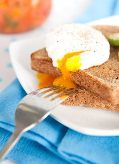 Don't Blow Your Diet on Holiday! Nutritionist-Approved Breakfast Tips