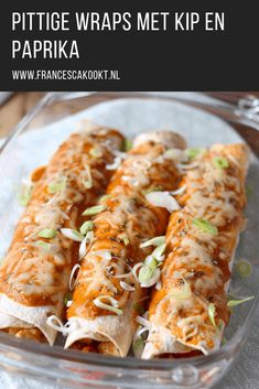 met kip en paprika - Francesca KooktPittige wraps met kip en paprika - Francesca Kookt It's not junk food if you make it yourself. Kid-Friendly Overnight Oats 4 Ways by Tasty Beef Enchiladas Pizza Wraps, Mexican Food Recipes, Healthy Recipes, Snacks Sains, Tortilla Wraps, Dutch Recipes, Taco, Clean Eating Snacks, Food Inspiration