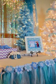 Disney's Frozen themed birthday party with Lots of Cute Ideas via Kara's Party Ideas | Cake, decor, cupcakes, games and more! KarasPartyIdeas.com #frozenparty #frozen #partyideas #partydecor #partyplanning (31)