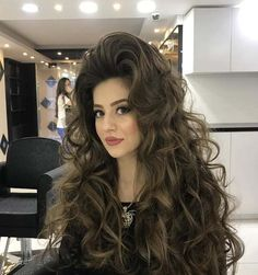 Huge Gorgeous Curls Hairstyle very effective for attention