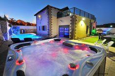 וילה ירח לבן - White Moon 0539375606 #WhiteMoonVilla #vacation #LuxuryTravel #View #Pool #Swimming #SwimmingPool #Luxury #Villa #bachelorParty #BacheloretteParty #Dreams