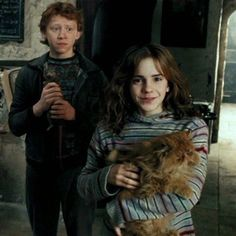 """""""Ron, Scabbers, Hermione & Krumben."""" Huh. So that's how you say """"Crookshanks"""" in Swedish."""