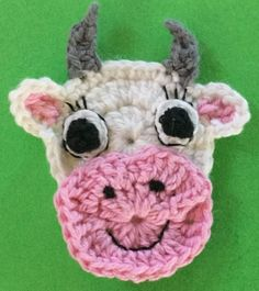 Crochet cow head with eyes Crochet Cow, Crochet Hooks, Half Double Crochet, Single Crochet, Cow Head, Cow Pattern, Slip Stitch, Yarn Crafts, Christmas Crafts