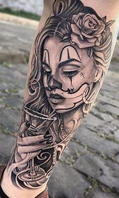 Embora não muito conhecida, a tatuagem de Catrina é carregada de significado. Although not well known, Catrina's tattoo is loaded with meaning. If you want to know more about the subject, be s Gangster Tattoos, Dope Tattoos, Chicano Tattoos Gangsters, Hand Tattoos, Chicano Tattoos Sleeve, Chicanas Tattoo, Forarm Tattoos, Leg Sleeve Tattoo, Best Sleeve Tattoos