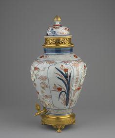 Arita, Hizen province [Japan], Jar and cover Jar: mount: late century Japanese China, Japanese Art, Japanese Beauty, Japanese Porcelain, Japanese Ceramics, Porcelain Ceramics, China Porcelain, Glass Ceramic, Ceramic Art
