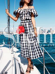 Black+and+White+Plaid+Off+The+Shoulder+Dress+29.99 #plaiddress #womenfashion