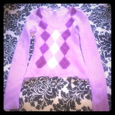 NWOT JCrew Dusty Pink Argyle Sweater Excellent condition JCrew sweater in dusty pink. Never worn! 70% Lambswool, 20% angora, 10% nylon. Argyle pattern. Size Small. J. Crew Sweaters V-Necks