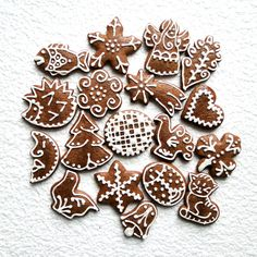 Gingerbread Decorations, Gingerbread Cookies, Christmas Decorations, Fondant Cakes, Holiday Cookies, Food For Thought, Cookie Decorating, Halloween Party, Valentines Day