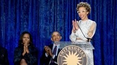 Former President Barack Obama, center, and former first lady Michelle Obama, left, applaud as artist Amy Sherald speaks during a ceremony for the unveiling of their official portraits at the Smithsonian's National Portrait Gallery. Amy Sherald, Obama Portrait, Barack Obama Family, Barrack Obama, High Museum, Black Presidents, Barack And Michelle, National Portrait Gallery, Black Girls Rock