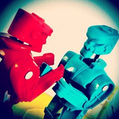 Rock 'Em Sock 'Em Robots -   Enter the Mashable Photo Challenge