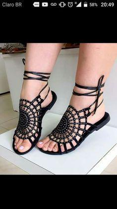 Cute shoes on fat feet Cute Sandals, Cute Shoes, Me Too Shoes, Shoes Sandals, Flats, Crochet Sandals, Crochet Shoes, Bare Foot Sandals, Beautiful Shoes