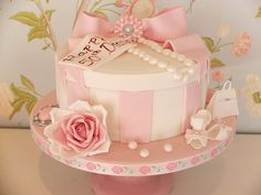 Thank you Mrs James of Cotton and Crumbs for your permission to use your design originally, I think the hat box has caught on big time in Kent! Hat Box Cake, Gift Box Cakes, Victorian Cakes, 21st Cake, Buttercream Flower Cake, Cakes For Women, Pink Hat, Occasion Cakes, Creative Cakes
