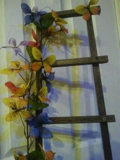 Check out this item in my Etsy shop https://www.etsy.com/listing/190691306/wall-art-re-purposed-wood-ladder-of