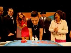Luis Coronel le canta a su mama. - YouTube