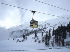 Skiing in Kashmir >>The perfect season for skiing would be from January to March, when there is abundant snowfall due to which skiing activities are at a peak. The white powder snow makes for a wonderful experience as one enjoys long descents. #365hops, #skiing, #skiinginIndia, #skiinginKashmir