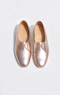 breezy cali shoe in rose gold