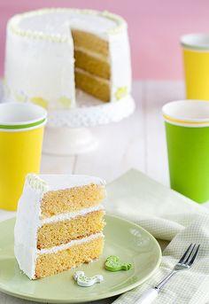 http://www.unodedos.com/recetario-de-cocina/tarta-de-pascua-layer-cake-de-vainilla-y-nata/