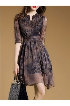 Shop Floral Imprint Chiffon Short Day Dress on sale at Tidestore with trendy design and good price. Come and find more fashion Short Day Dresses here. Day Dresses, Dress Outfits, Casual Dresses, Short Dresses, Fashion Dresses, Skater Dresses, Spring Dresses, Simple Dress Casual, Woman Outfits