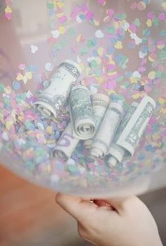I'm skipping the card aisle next time and giving a Money Balloon instead. How many kids love a birthday card? How many kids love BALLOONS? Money Balloon, Balloon Gift, Balloon Ideas, Birthday Presents, Birthday Cards, Birthday Money, Birthday Ideas, Birthday Brunch, Diy Birthday