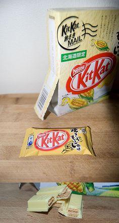 Roasted Corn Kit Kat (Hokkaido region) Japan Japanese Treats, Japanese Food, Japanese Kit Kat Flavors, Kit Kat Bars, Bff Birthday Gift, Japanese Sweet, Roasted Corn, Fruit Drinks, Indian Snacks