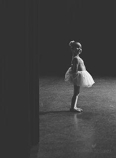 little girl ballet photo, ballet photo idea, toddler ballet photo, little ballerina girl, Miami Art Photographer http://elizabethordonez.com/2014/05/21/my-little-ballerina-miami-art-photographer/