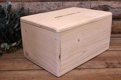 Κουτί Ευχών Ξύλινο Φυσικό  Κουτί ευχών από φυσικό ξύλο, με σχισμή, σε φυσική απόχρωση. Αντικαταστήστε το βιβλίο των ευχών με μια πρωτότυπη ενναλλακτική σε ρομαντικό, vintage ύφος. Συγκεντρώστε τις ευχές των καλεσμένων σας και τις γλυκιές αναμνήσεις της ημέρας του γάμου σας σε ένα όμορφο κουτί, το οποίο θα κρατήσετε αργότερα και για το σπίτι. Γράψτε τις ευχές σας σε χάρτινα καρτελάκια, ή ξύλινες καρδιές και γεμίστε το κουτί με πολλή αγάπη.Διαστάσεις: 30x20x15 cm Decorative Boxes, Home Decor, Decoration Home, Room Decor, Home Interior Design, Decorative Storage Boxes, Home Decoration, Interior Design