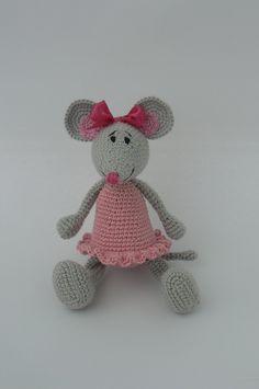 Hello Kitty Amigurumi - Tutorial.