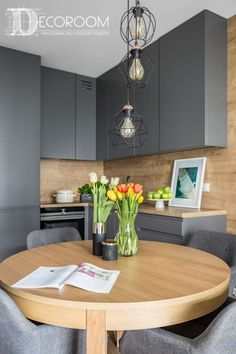 *** what's that on upper cabinet door? Kitchen Room Design, Modern Kitchen Design, Living Room Kitchen, Kitchen Layout, Kitchen Interior, Kitchen Decor, Dining Room, Small Apartment Design, Home Staging