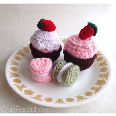 Cupcake and Macaron Pastry Set of 4 - pinned by pin4etsy.com