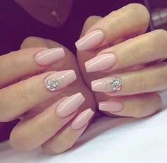 Opting for bright colours or intricate nail art isn't a must anymore. This year, nude nail designs are becoming a trend. Here are some nude nail designs. Cute Nail Art Designs, Acrylic Nail Designs, Acrylic Nails, Coffin Nails, Simple Designs, Baby Pink Nails, Pink Nail Art, Manicure, Elegant Nails