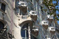 curiosidades, trencadís, arco catenario, Sagrada Familia,