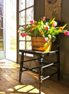 """Ana Rosa--I love tulips. They just """"do their own thing"""" in an arrangement. Country Living, Country Decor, Country Style, Country Primitive, Spring Flowers, Spring Colors, Decorating Your Home, Decorating Ideas, Decorating Bedrooms"""