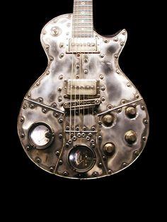 McSwain Guitars - Machine