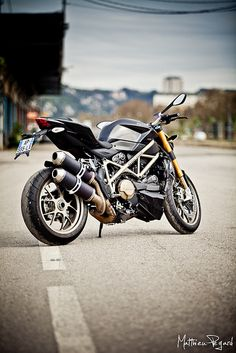 Ducati Streetfighter S - 2 by Matthieu Pegard