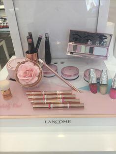 Lancome Paris, Turntable, Music Instruments, Beauty, Record Player, Musical Instruments, Beauty Illustration