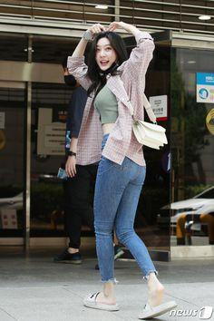 Kim Yerim, Korean Actresses, Cool Style, Normcore, Bicycle, Twitter, Girls, Fashion, Bicycle Kick