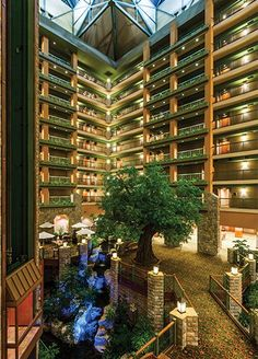 Chateau on the Lake Resort Spa & Convention Center #Branson