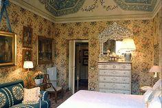 Valentino's villa near Sienna, Tuscany - Renzo Mongiardino
