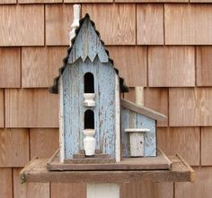 I love bird houses.