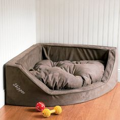 Luxury Corner Dog Bed w/ monogramming - maybe for my piggy boys? Viktor and Francis?