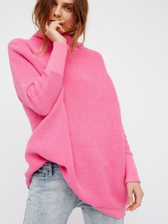 Liven up your look with this heavy knit ribbed tunic sweater featured in a slouchy, oversized fit. Hot pink and electrifying! Ribbed Sweater, Tunic Sweater, Pink Sweater, Sweater Outfits, Online Fashion Boutique, Fashion Online, Women's Fashion, Lace Tops, Sweaters