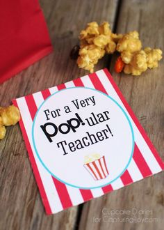 Peanut Butter Popcorn Teacher Gift - Show the teachers in your life how much you care with this delicious Peanut Butter Popcorn and free printable!