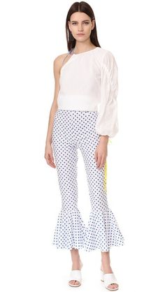 this silhouette...one shoulder balloon sleeve top + kick flare cropped pants + slides