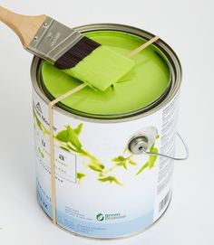 60 New Uses For Everyday Items ~ Use a rubber band around your paint can to wipe off excess paint instead of getting the sides all messy. This way the lid doesn't get stuck on!