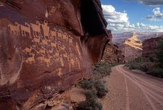 The Nine Mile Canyon in the Utah desert is the world's longest & oldest 'art gallery'